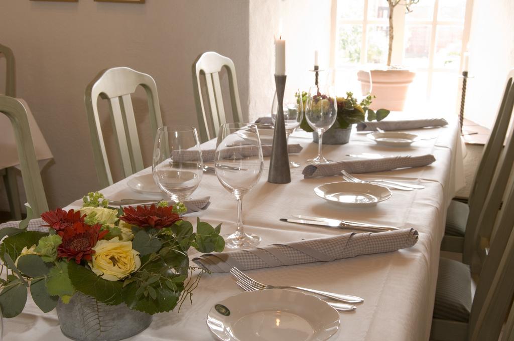 ett dukat bord